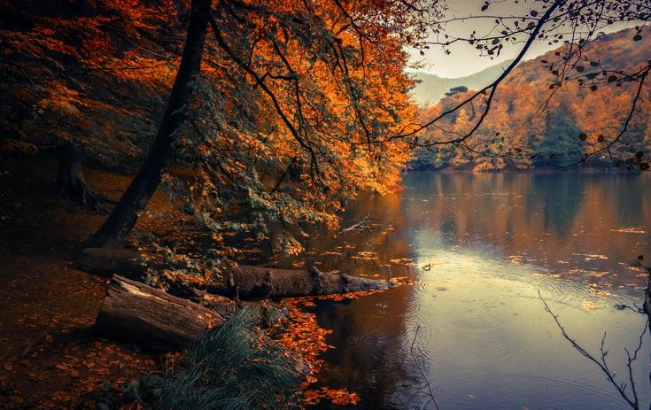 Viajar no outono? 5 destinos para fugir à rotina