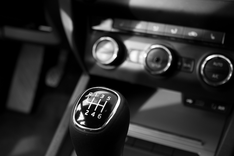 Estas são as áreas mais sujas do interior do seu carro