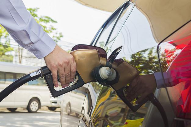 Hábitos que aumentam o consumo de combustível